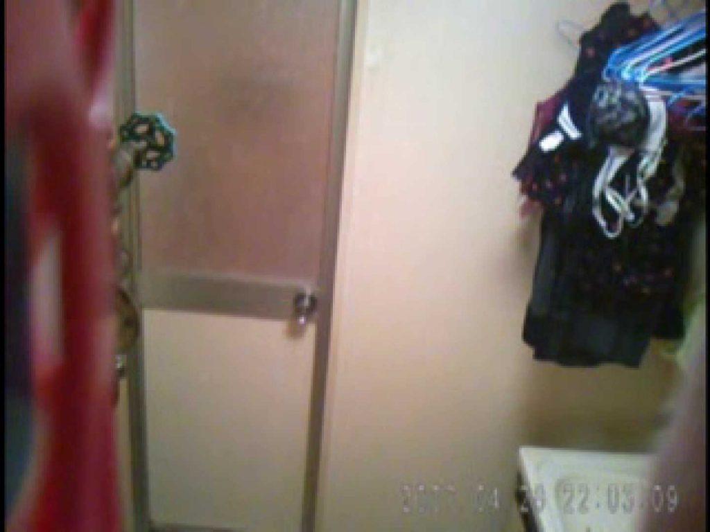 父親が自宅で嬢の入浴を4年間にわたって盗撮した映像が流出 脱衣所 | 盗撮  77連発