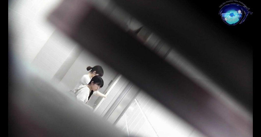 お銀さんの洗面所突入レポート!!vol.72 あのかわいい子がついフロント撮り実演 洗面所 | バックショット  55連発