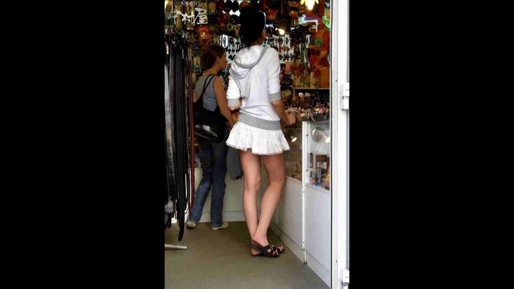 綺麗なモデルさんのスカート捲っちゃおう‼ vol17 お姉さんのエロ生活 | モデルのエロ生活  93連発