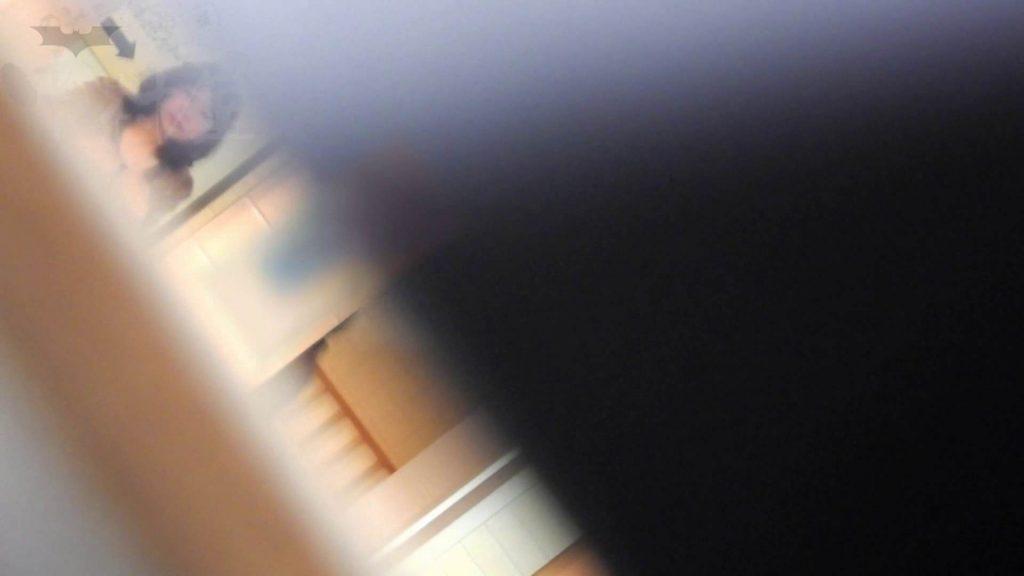 第三体育館潜入撮File015 「進化」の最後に登場した美人がついに入室! 乙女 | アスリート  25連発
