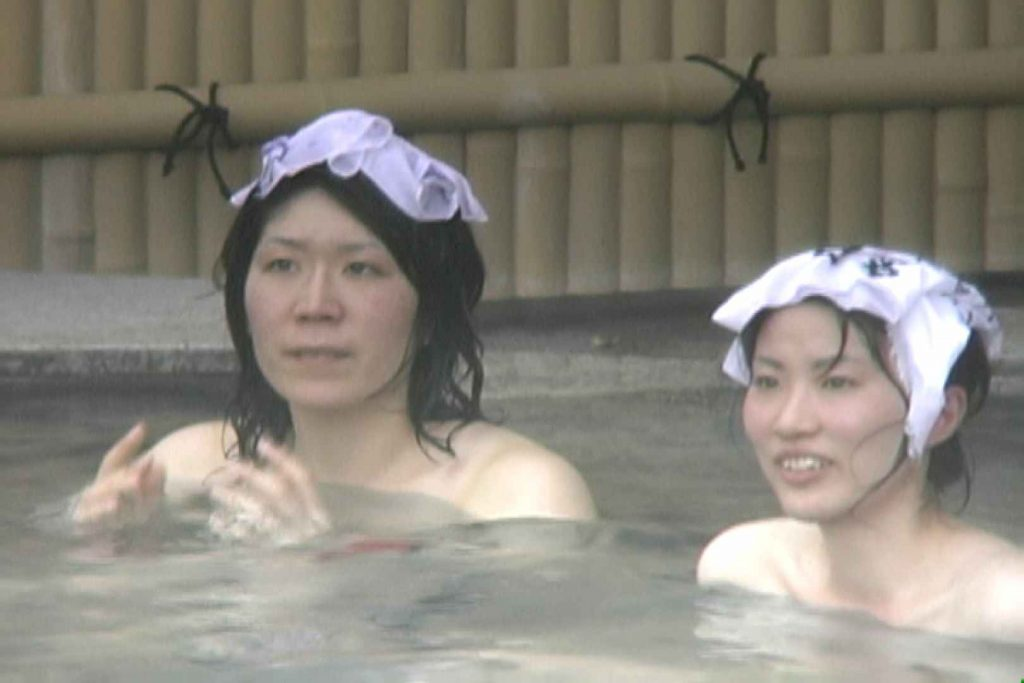 高画質露天女風呂観察 vol.013 女風呂 | ギャル入浴  85連発